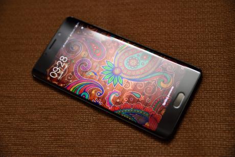 Xiaomi_Mi_Note_2_01.jpg