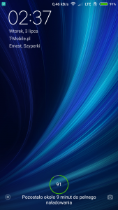 Screenshot_2018-07-03-02-37-25-304_lockscreen.png