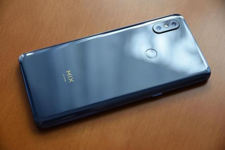 Xiaomi_Mi_MIX_3_03.jpg